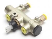 Shuttle valve - Def110 1984-90